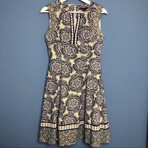 Maggy London Sleeveless Sheath Dress Size 4